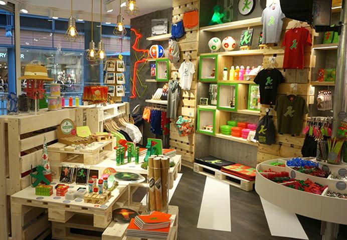 AMPELMANN Berlin Souvenir Shop am Potsdamer Platz innen