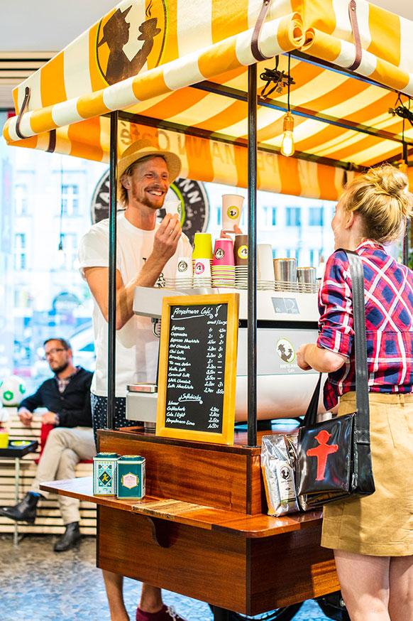 AMPELMANN Berlin Souvenir Shop Unter den Linden - Kaffeefahrrad