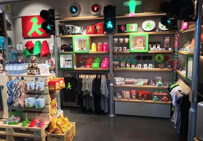 Berlin hauptbahnhof shops